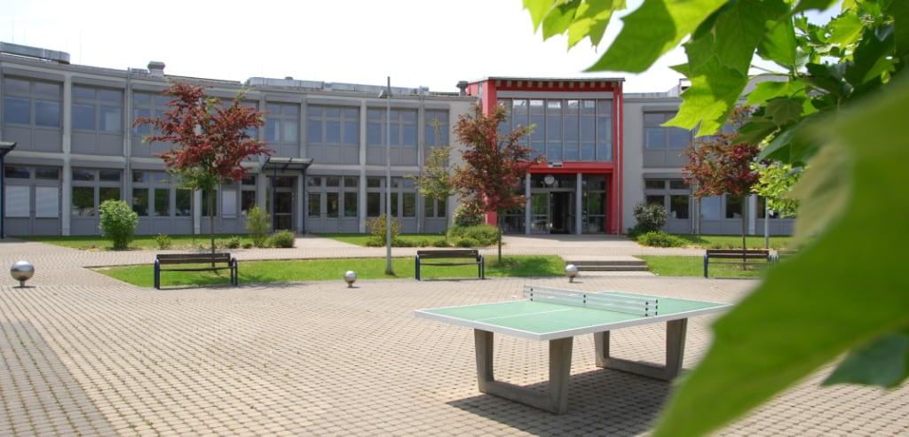 Schulhof DBG